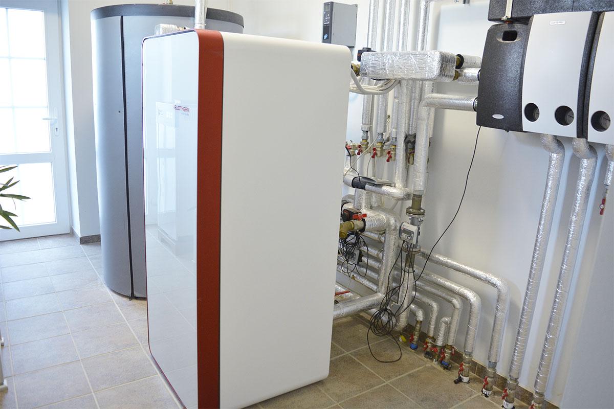Тепловой насос Вода-Вода для отопления дома 410 кв. м. в Киевской обл.
