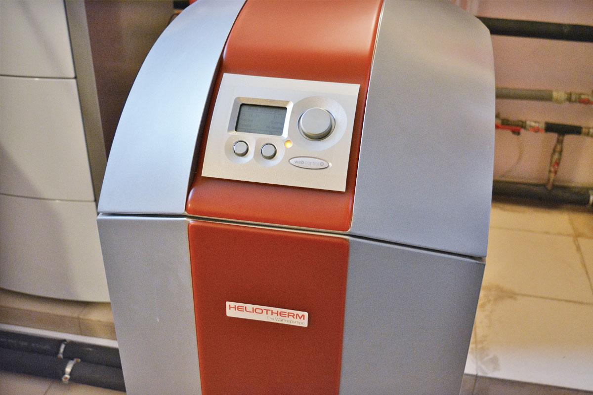 Тепловой насос Вода-Вода компании Heliotherm для отопления дома 510 кв. м. Киевская обл.