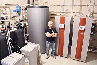 Геотермальные тепловые насосы Грунт-Вода для отопления дома площадью 915 м²